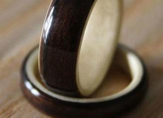 Harestree-Ebony-and-Horse-Chestnut-Wooden-Ring