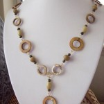 Circular Disks Shell Cat Eye Beaded Necklace